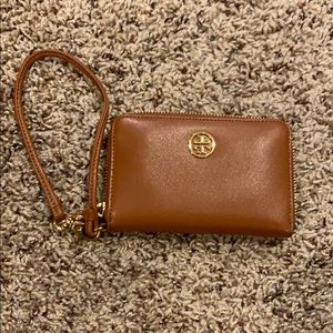 Tory Burch Robinson Leather Wristlet